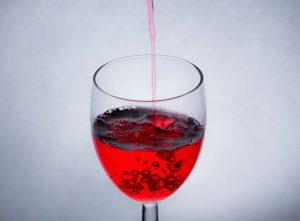 赤ワインを飲むことは歯周病対策にもなる!?